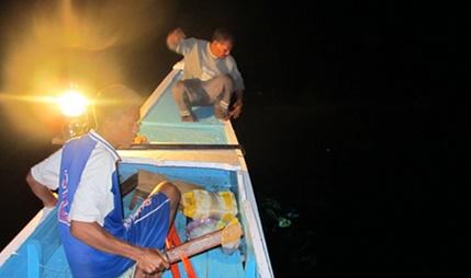 Umpan Mancing di Laut Malam Hari Terbukti Joss