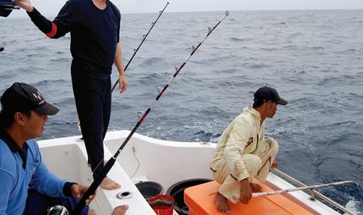 Trik Jitu mancing Ikan Besar Di Laut Lepas Siang Malam Hari Plus Umpannya
